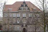 Starting in 1991, the Barkhof became (until the end of 2010) the home of the Centre for Social Policy (ZeS).